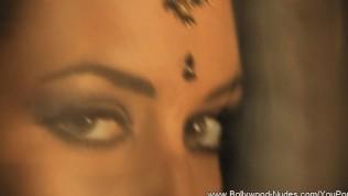 Bollywood Nudes Desi Girlfriend